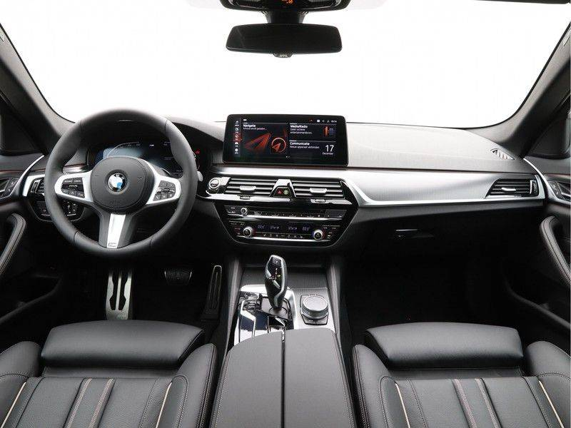 BMW 5 Serie 520i High Exe M-Sport Aut. afbeelding 13