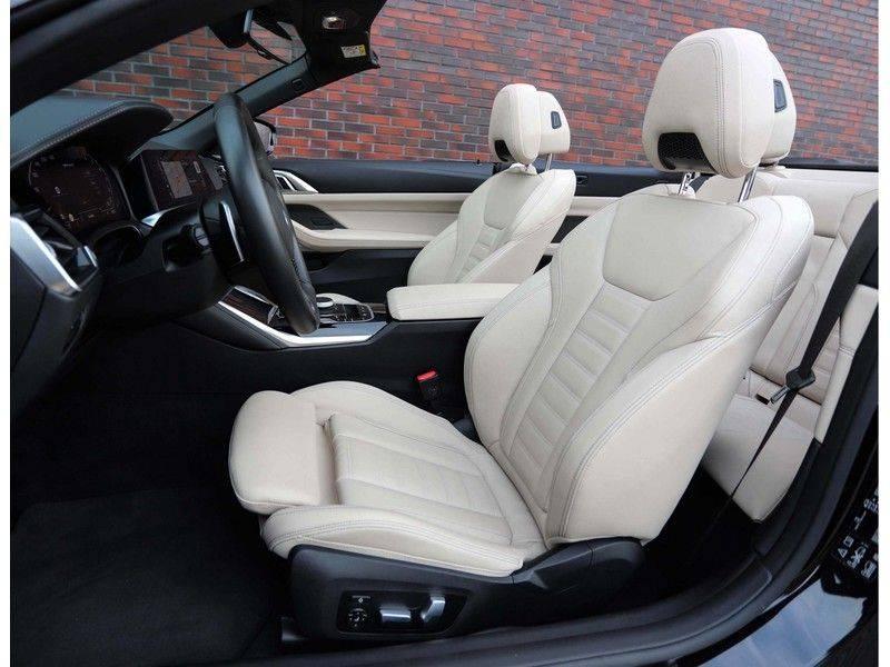 BMW 4 Serie Cabrio M440i xDrive *Trekhaak*Nekverwarming*Head-Up* afbeelding 16