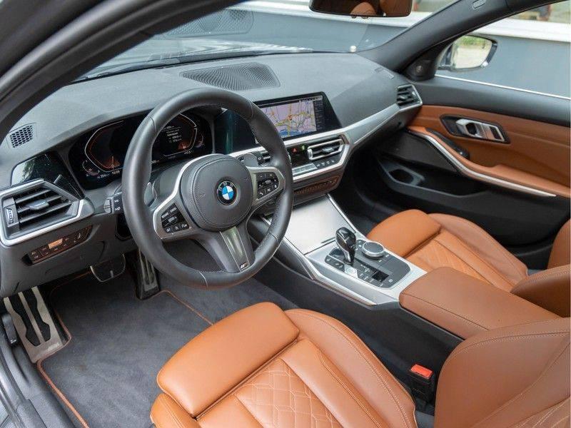 BMW 3 Serie Touring 330i M-Sport - Individual - Memoryzetels - Trekhaak - Panorama afbeelding 10