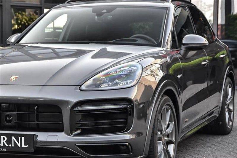 Porsche Cayenne E-HYBRID SPORTDESIGN+PANO.DAK+4WSTURING afbeelding 11