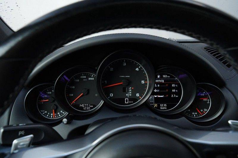 "Porsche Cayenne 3.0 D Facelift Luchtv. Pano Bose Sportchrono 21"" afbeelding 19"