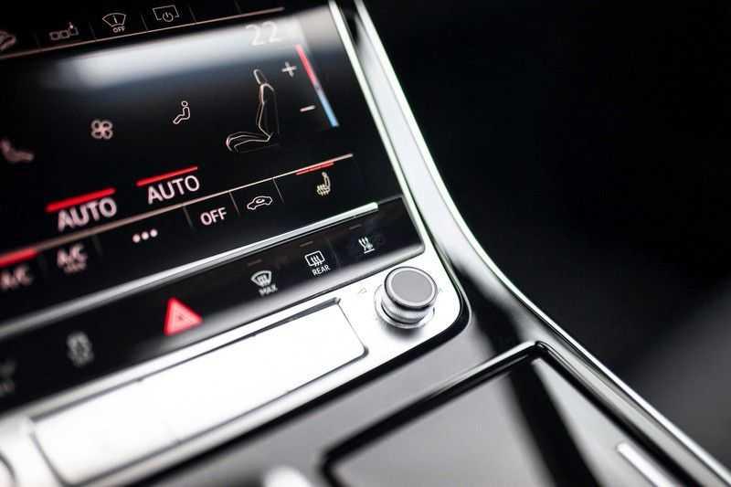 """Audi Q8 50 TDI Quattro *S-line / 23"""" / Panorama / Matrix-LED / Standkachel* afbeelding 18"""