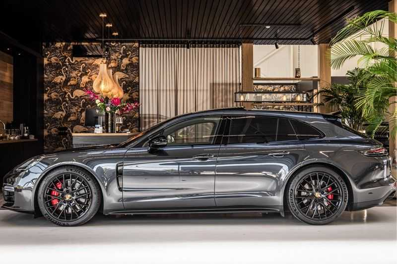 Porsche Panamera GTS Sport Turismo 4.0 | BOSE | Panorama | Alcantara | Comforttoegang | PDLS | PASM afbeelding 6