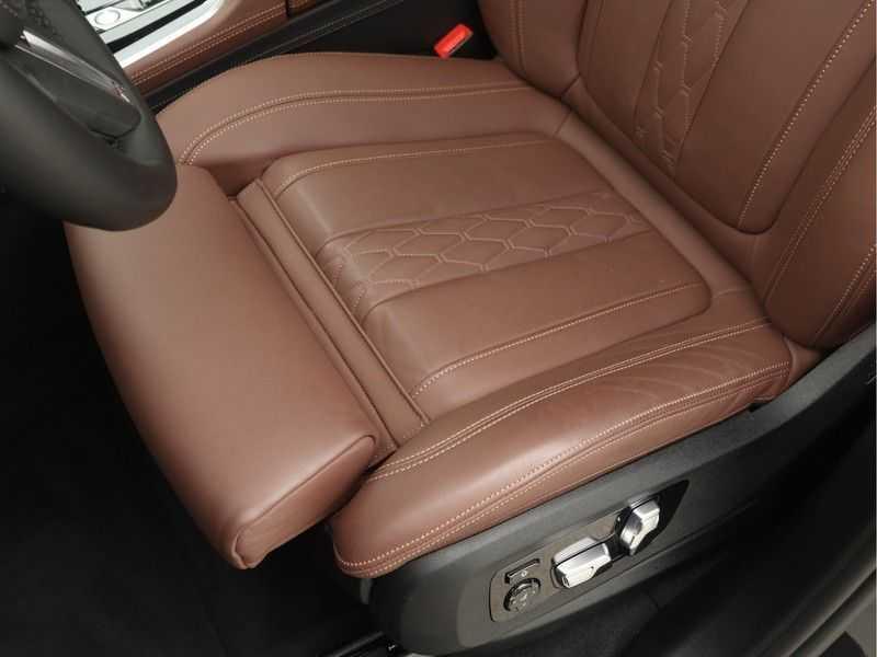 BMW X5 xDrive 45e High Executive M-Sport Automaat afbeelding 12