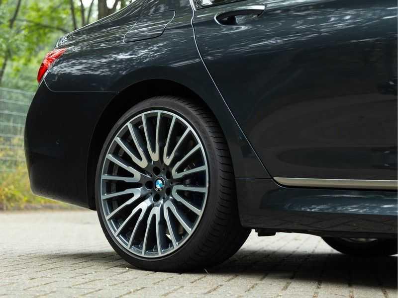 BMW 7 Serie M760Li xDrive - Bowers & Wilkins Audio - Night Vision - Entertainment Professional afbeelding 15
