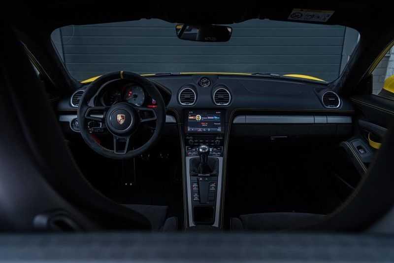 Porsche 718 Cayman GT4 4.0, 420 PK, RacingGelb, Sport/Chrono, Camera, 18/Way, 2900 KM, 2020, BTW!! afbeelding 9
