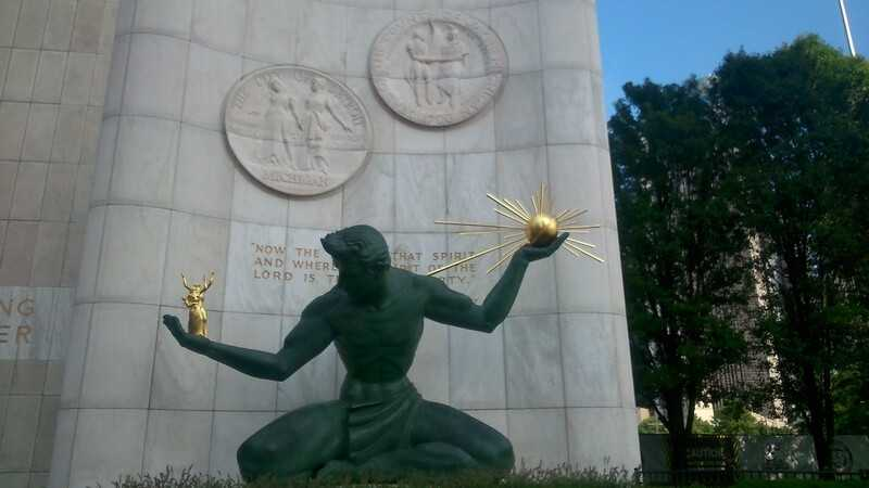 Статуя в Детройте