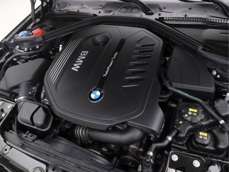 BMW 4 Serie Coupé 440i High Executive M-Sport afbeelding 4