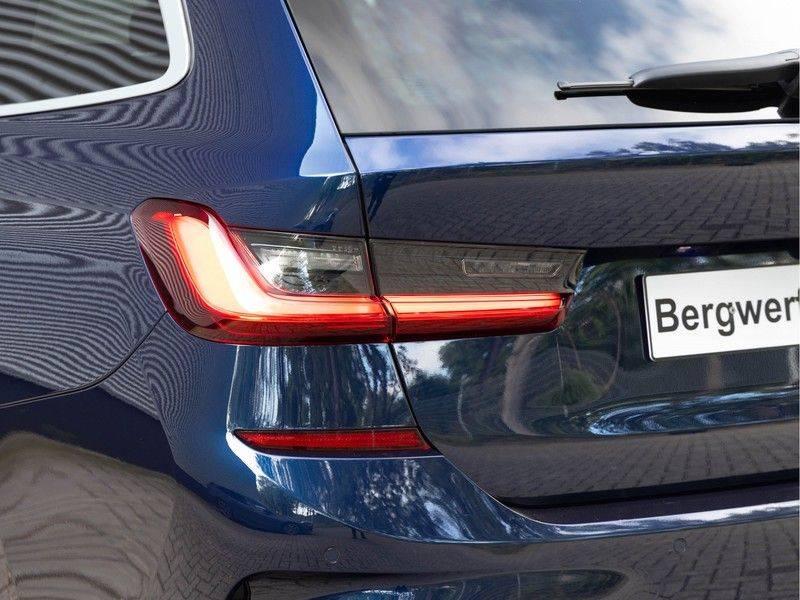 BMW 3 Serie Touring 330i M-Sport - Individual - Memoryzetels - Trekhaak - Panorama afbeelding 8