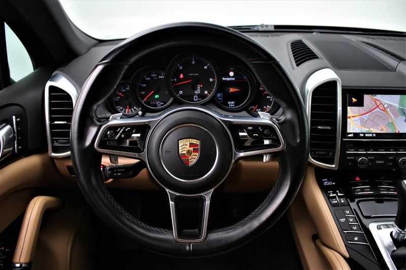 Porsche Cayenne 3.0 D Sport design  Porsche Approved Garantie Pano Lucht PDLS  afbeelding 12