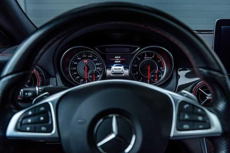 Mercedes-Benz CLA-Klasse 45 AMG 4MATIC, 381 PK, Facelift, Pano/Dak, Camera, Night/Pakket, AMG-Sportuitlaat, 52DKM!! afbeelding 17
