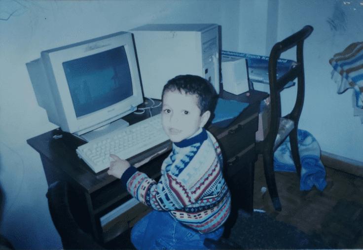 Tiny me on a computer
