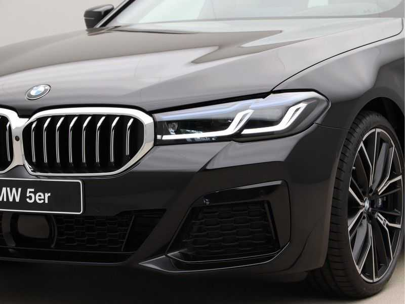 BMW 5 Serie Touring 530d High Exe M-Sport Face-lift ! afbeelding 13