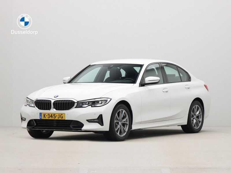 BMW 3 Serie Sedan 318i Executive Sport Line Automaat afbeelding 1