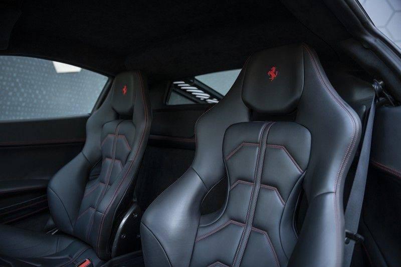 Ferrari 458 4.5 V8 Italia New Power Garantie T/M 12-03-2022, Carbon Sport Seats, Custom Exhaust, Carbon exterieurdelen afbeelding 13
