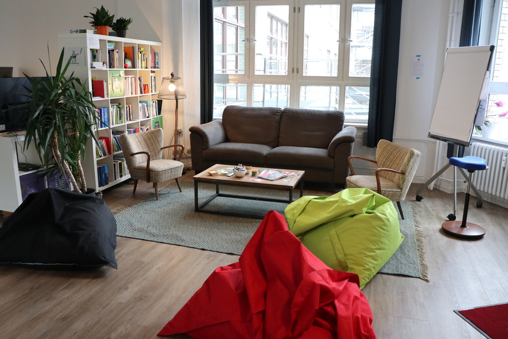 A picture of the couch corner at Leanovate