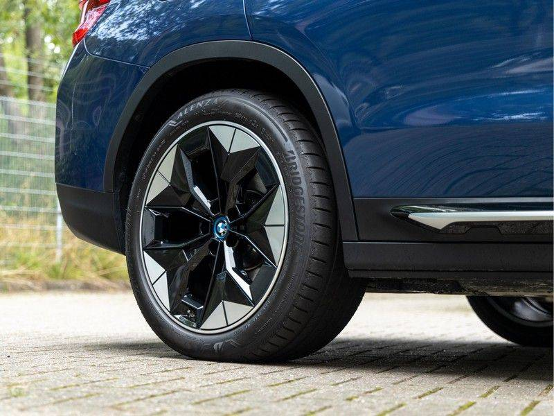 BMW iX3 High Executive - Direct Beschikbaar! afbeelding 13