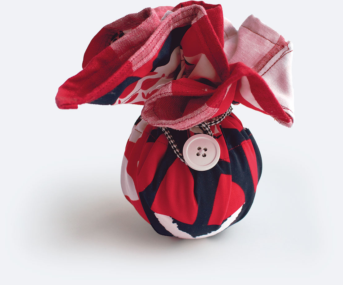 Closed Little Bindle (a small bag)