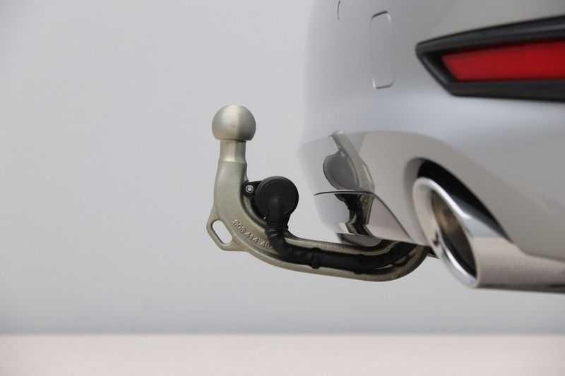 BMW 3 Serie 318i Sedan Exe Sportline Aut. afbeelding 20