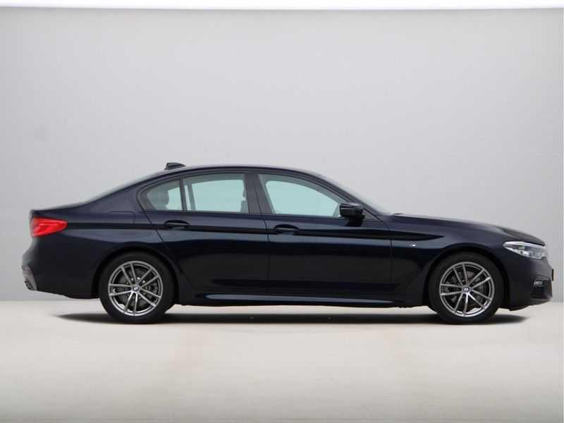 BMW 5 Serie 520i High Executive M-Sport afbeelding 9