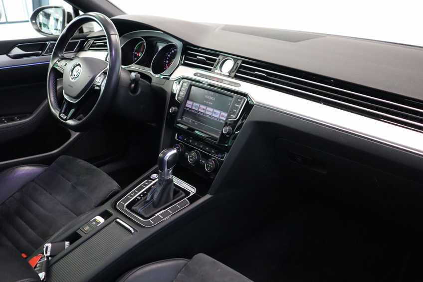 Volkswagen Passat Variant 1.4 TSI GTE Highline Prijs = Ex btw Navigatie Panoramadak Full-led afbeelding 12