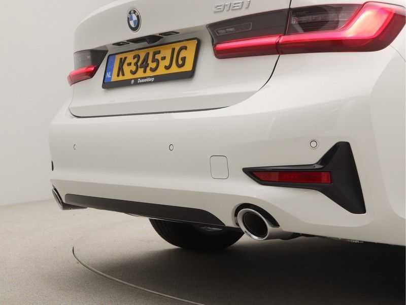 BMW 3 Serie Sedan 318i Executive Sport Line Automaat afbeelding 19