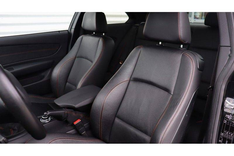 BMW 1 Serie Coupe 3.0i M Akrapovic, Harman/Kardon, Comfort Access afbeelding 17