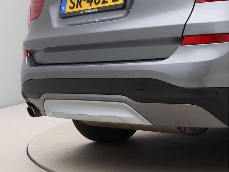 BMW X3 xDrive20i Exe X-Line Aut. afbeelding 18
