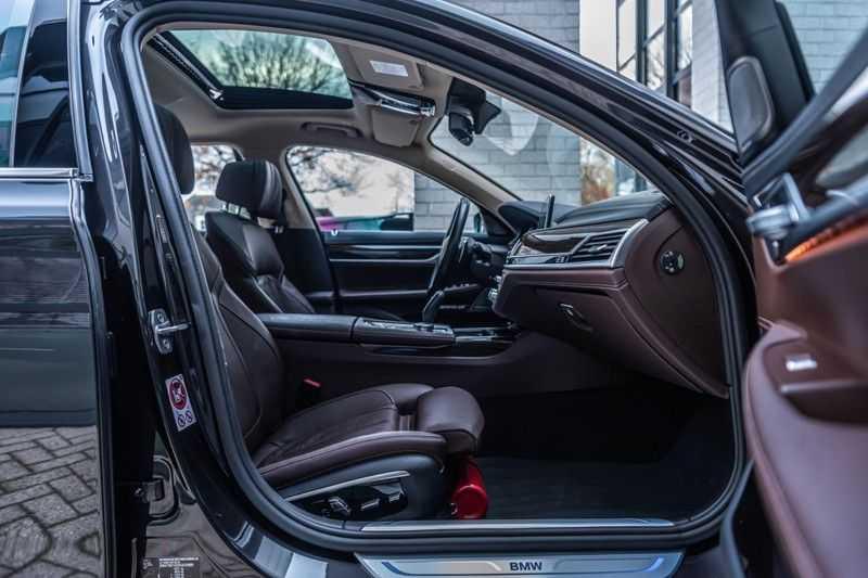BMW 7 Serie 750i xDrive High Executive, 450 PK, Schuifdak, Gesture Control, Display/Key, Massage, Head/Up, Surround view, 56DKM!! afbeelding 4