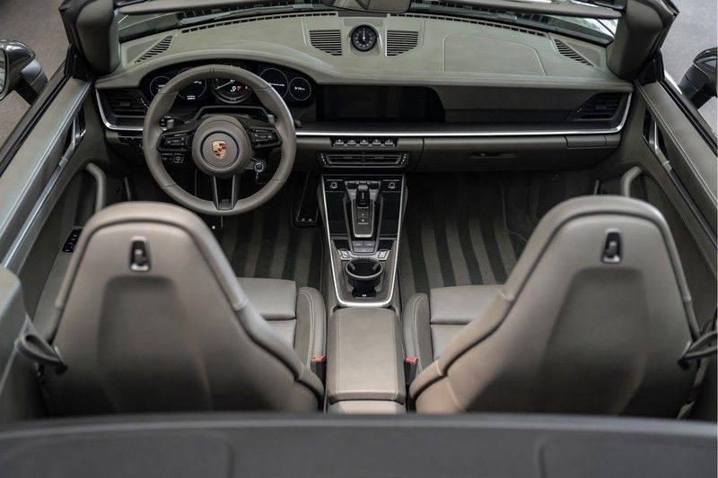Porsche 911 992 4S Cabrio Unieke Kleurstelling Sport Design Pakket Matrix Carbon 3.0 Carrera 4 S afbeelding 8