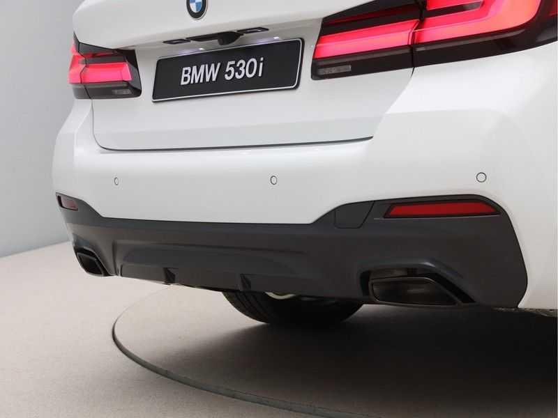 BMW 5 Serie 530i High Exe M-Sport LCI afbeelding 17