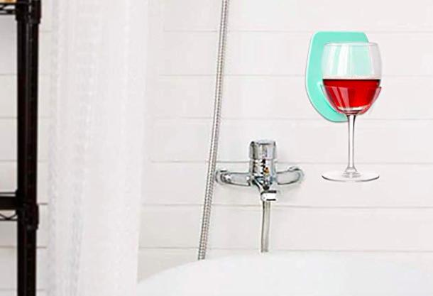 Wineglass holder for bathroom tub