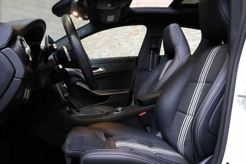 Mercedes-Benz CLA-Klasse Shooting Brake 180 PEAK Edition | Panoramadak | Achteruitrijcamera | AMG Pakket | Keyless | afbeelding 13
