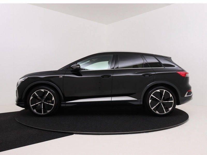 Audi Q4 40 e-tron Launch edition S Competition | Panoramadak | Lederen bekleding | Sonos | Head-up display afbeelding 6