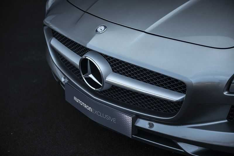 Mercedes-Benz SLS Roadster 6.3 AMG Carbon Pack + MIDDLE GRAY HIMALAYAS + Full Carbon Motor afdekking afbeelding 21