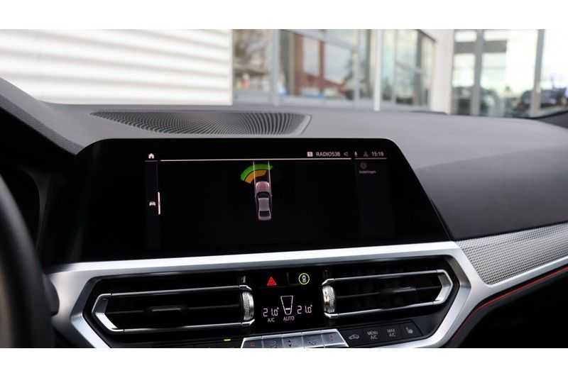 BMW 3 Serie 320i High Executive M Sport, Harman/Kardon, Live Cockpit Professional afbeelding 13