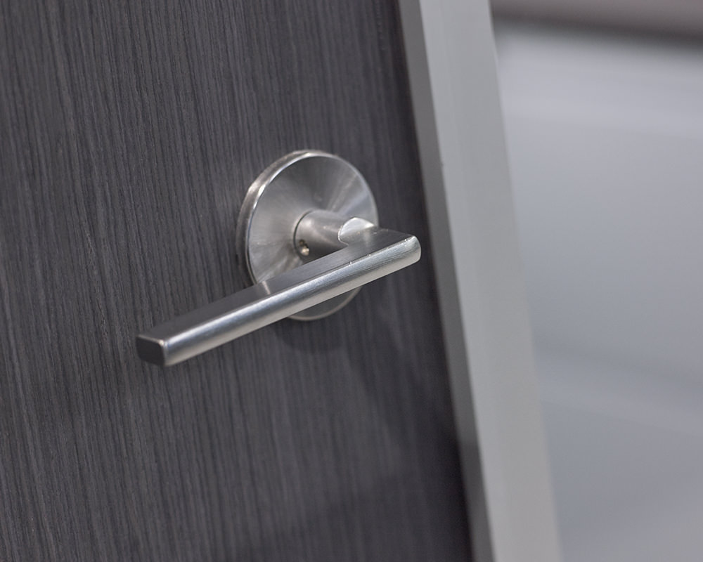 90 Degree Lever Handle On Wooden Door