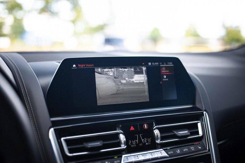 BMW 8 Serie 840d xDrive High Executive *Laser / Harman-Kardon / HUD / Nachtzicht / Carbon / ACC / Nekverwarming* afbeelding 16