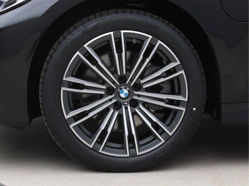 BMW 3 Serie 320e High Exe M-Sport Hybrid afbeelding 22