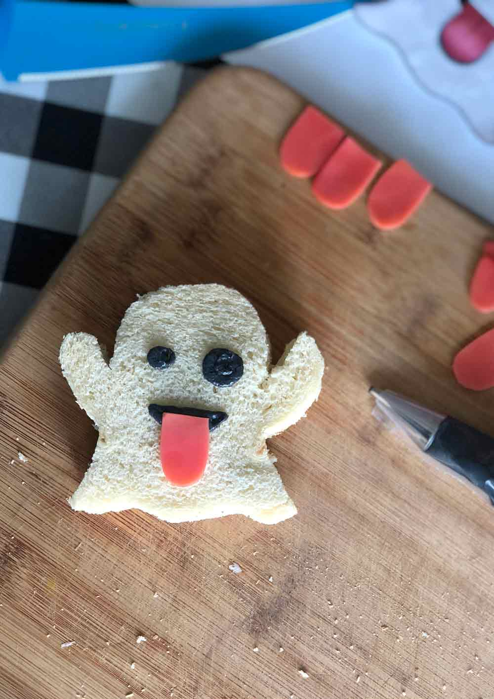 vegan ghost emoji tea sandwich