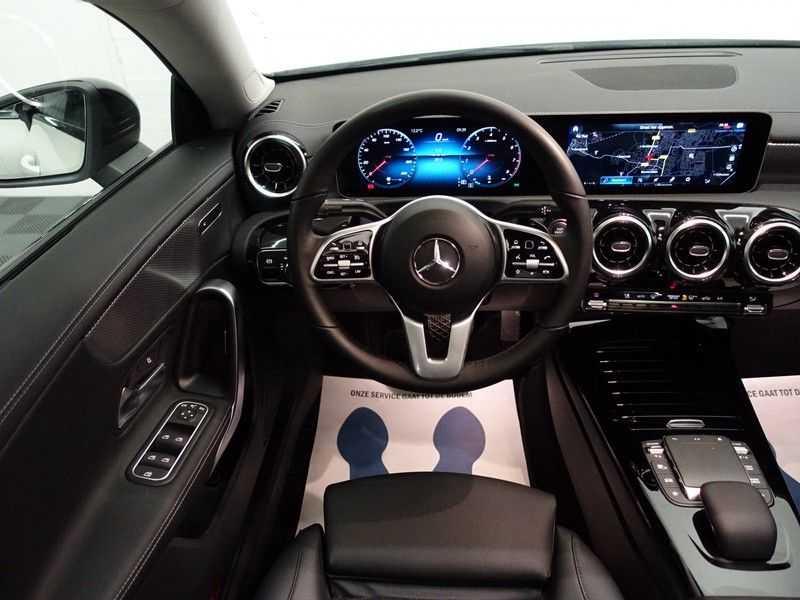 Mercedes-Benz CLA-Klasse AMG Night Edition Autom- Panodak, MBUX Widescreen, Leer, 2dkm! afbeelding 9
