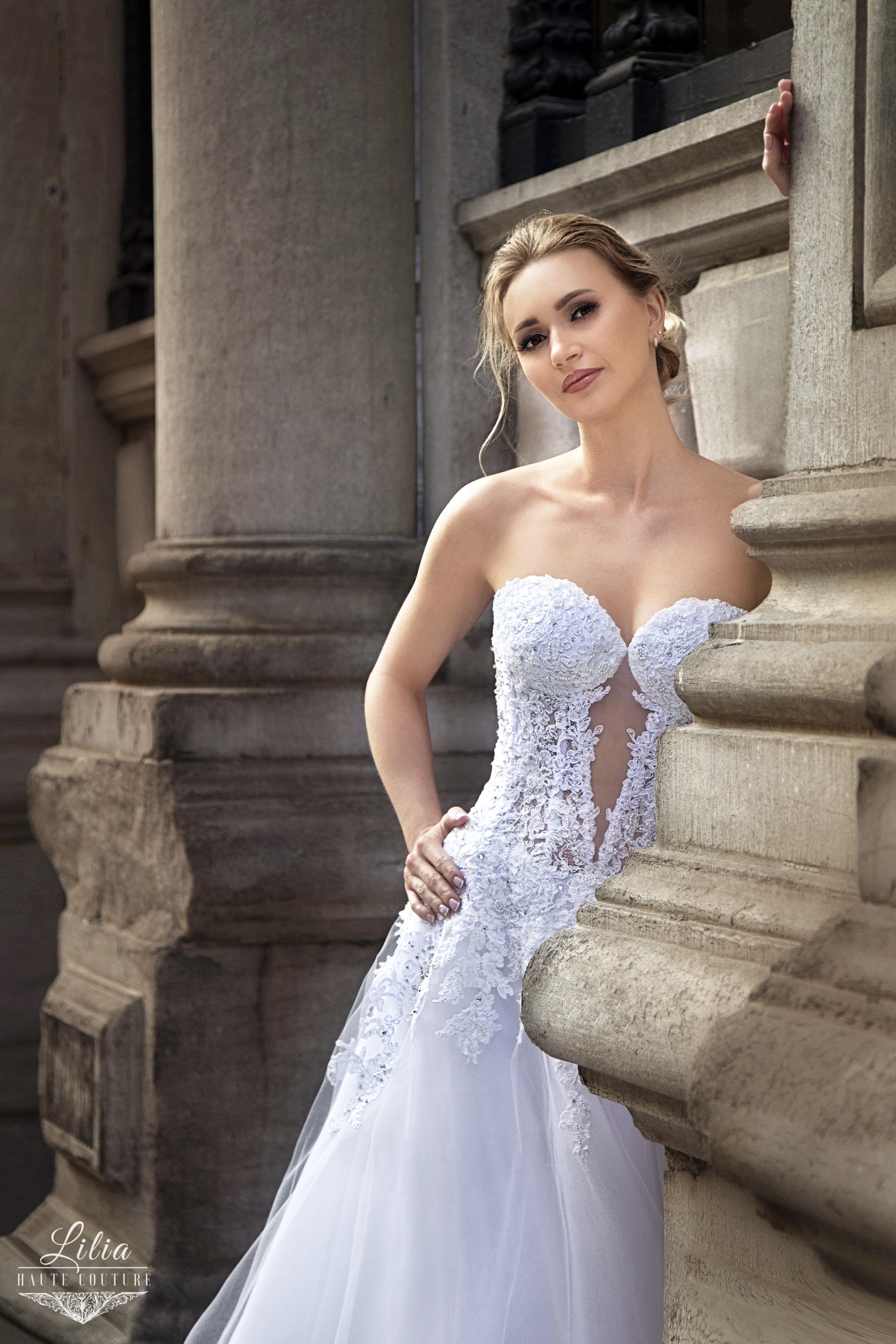 lilia haute couture robe avec corset en ligne v avec jupe en tulle montreal