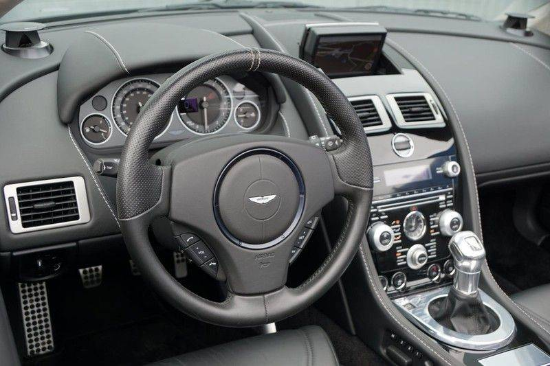 Aston Martin DBS Volante 6.0 V12 6-Speed Manual *!*Only 43 worldwide*!* afbeelding 10