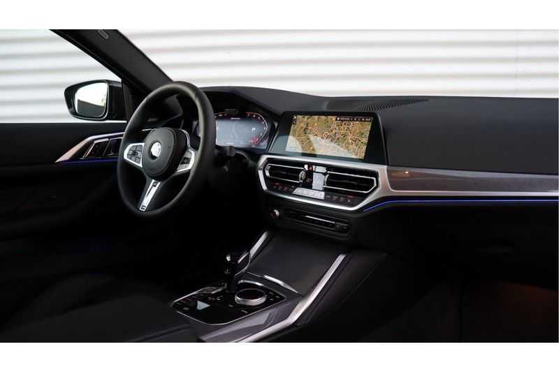 BMW 4 Serie Coupé M440i xDrive High Executive Harman/Kardon, Head Up Display, Schuifdak afbeelding 10