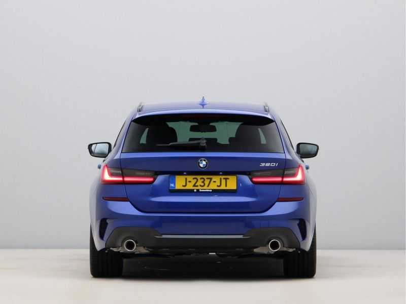 BMW 3 Serie Touring 320i High Executive M Sport 18inch afbeelding 12