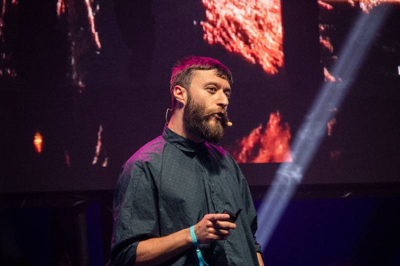live stream conference keynote speaker
