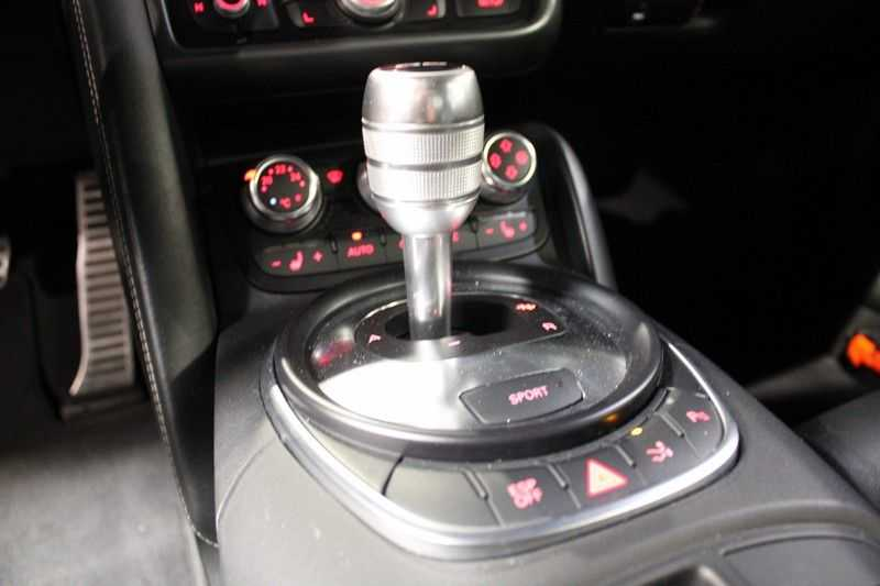 Audi R8 4.2 V8 FSI Coupe aut. Sportuitlaat afbeelding 4