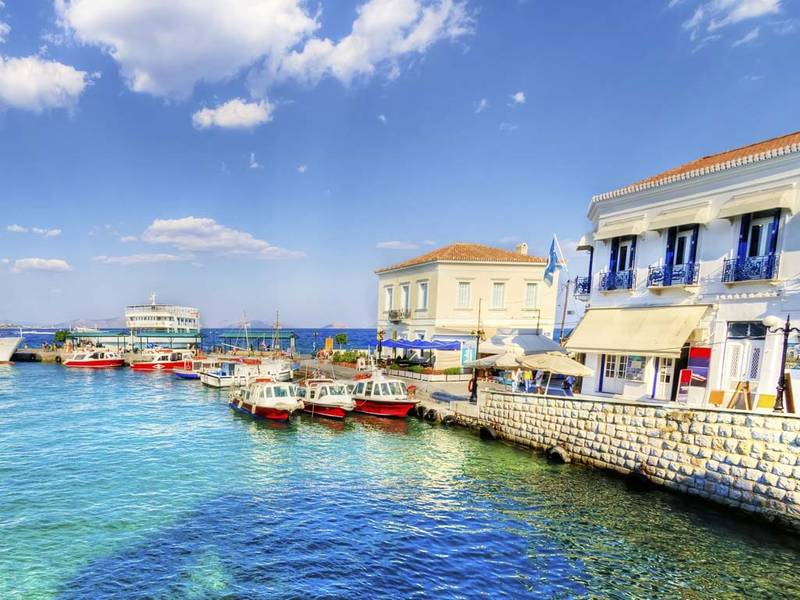 Exploring the Waters of Spetses on a Greece Sailing Trip