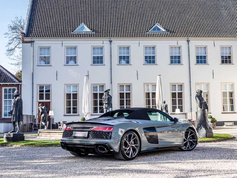 Audi R8 Spyder 5.2 performance quattro | 620PK | Magnetic Ride V10 | B&O sound | Carbon | Ceramic | Audi Exclusive | Garantie tot 07-2025* afbeelding 2