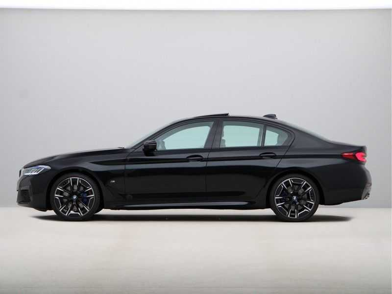 BMW 5 Serie 530i High Exe M-Sport afbeelding 11
